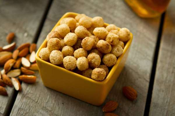 Crunchy Almond Puffs - 8 Count