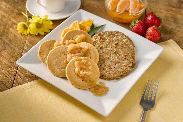 Whole Wheat Pancakes with Turkey Sausage